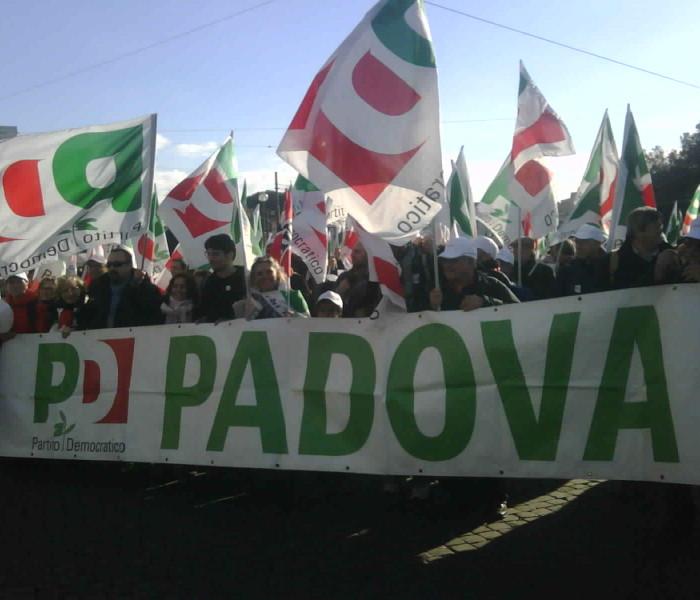 Cari Italiani, a qualcuno piace raccontarla !
